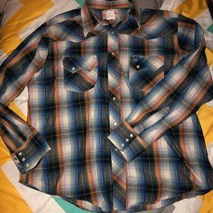 Men's button down Wrangler shirt